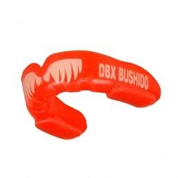 Chránič zubů DBX BUSHIDO s tesáky   RED